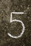Liczba 5 pisać w kolorowej kredzie Obraz Royalty Free