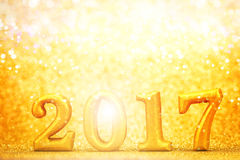 Liczba 2017 umieszczająca na złocistym eleganckim splendoru tle dla nowego ye Zdjęcie Royalty Free
