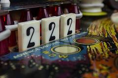 Liczby 2 Opadowi cele na Pinball maszynie Fotografia Stock