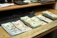 liczenie pieniędzy Obrazy Stock