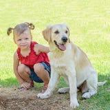 Śliczna dziewczyna z psem Obrazy Royalty Free