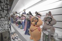 Śliczna gruba dziewczyny statua w prezenta sklepie Zdjęcie Royalty Free