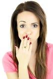Śliczna kobieta robi śmiesznej twarzy odizolowywającej Zdjęcie Stock