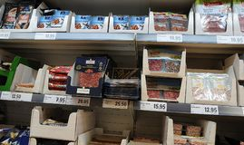LIDL杂货店和LIDL食品杂货袋 免版税图库摄影