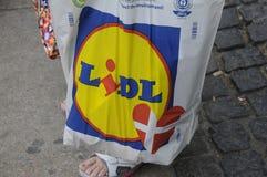LIDL SHOPPERW LIDL torba na zakupy Obrazy Royalty Free
