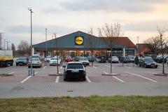 Lidl supermarketparkering Royaltyfria Bilder