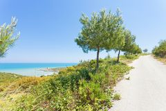 Lido Cala Lunga, Puglia - traccia di escursione alla spiaggia del polmone di Cala Fotografie Stock