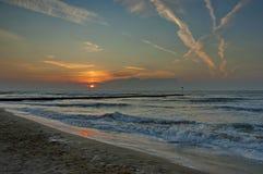 lido di Jesolo,意大利,在海滩的日出 免版税库存照片