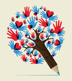 Liebe übergibt Konzeptbleistiftbaum lizenzfreie abbildung