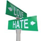 Liebe gegen Hass-Verkehrsschilder gegenüber von änderndem Gefühls-Verhältnis lizenzfreie abbildung