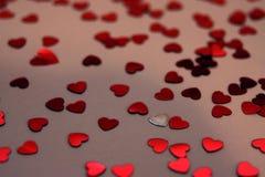 Liebe ist ganz herum lizenzfreie stockbilder
