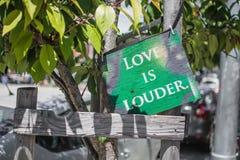 Liebe ist lauter Lizenzfreie Stockfotografie