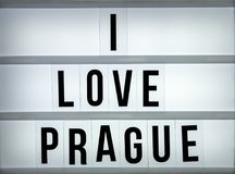 Liebe Prag des Leuchtkastens I Stockfotografie