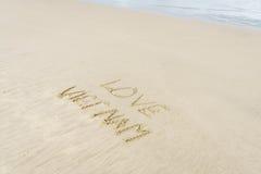 Liebe Vietnam geschrieben in Sand Lizenzfreie Stockbilder