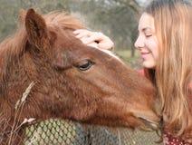 Liebe zu einem Tier. Stockfoto