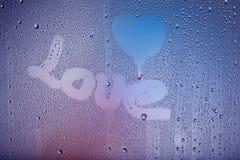 Lieben Sie Meldung auf einem Fenster Lizenzfreies Stockfoto