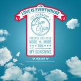 Lieben Sie Sie Plakat im Retrostil auf einem Sommerhimmelhintergrund. Lizenzfreie Stockfotos