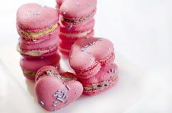 Liebes-Herz Macarons Lizenzfreie Stockfotos