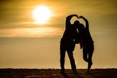 Liebes-Paare siluate Lizenzfreie Stockfotos