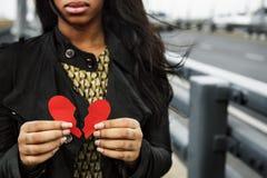 Liebes-Schmerz-Schmerzs-deprimierendes enttäuschtes gebrochenes Konzept Stockbild