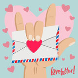 Liebesbrief mit Liebeshandzeichen Stockfotos