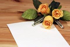 Liebesbrief mit Rosen Lizenzfreie Stockfotografie