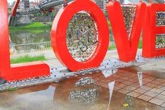 Liebesbriefe und ihre Reflexionen stockfotos