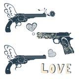 Liebesgewehre eingestellt Weinleseembleme mit dem Gewehr, das a schießt Stockbild