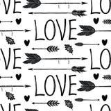 Liebeshintergrund mit schwarzen Pfeilen Stockbilder