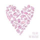 Liebeshintergrund und kardieren Sie sind mein Schatz mit dem Herzen, das von den rosa Kristallen gemacht wird Lizenzfreies Stockfoto