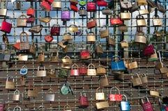 Liebesvorhängeschlösser Lizenzfreie Stockbilder