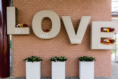 Liebeszeichen geschrieben mit Buchstaben 3D Stockfoto