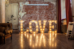 Liebeszeichen leuchtend Stockbild