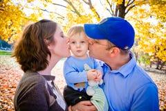 Liebevolle Eltern und Sohn Lizenzfreies Stockbild