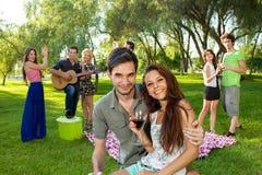 Liebevolle junge Jugendpaare Lizenzfreies Stockbild