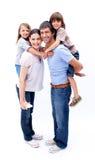 Liebevolle Muttergesellschaft, die ihren Kindern ein Doppelpol geben Lizenzfreies Stockfoto
