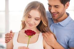 Liebevolle Paare. lizenzfreies stockfoto