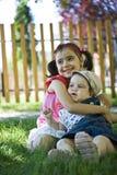 Liebevolle Schwestern Stockbilder