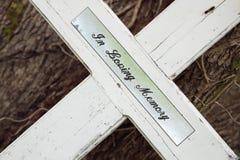 In liebevollem Gedächtniskreuz Stockfoto