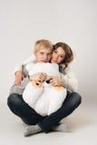 Liebhaber, glücklicher Kerl und Mädchen an Valentinsgruß ` s Tag Stockfoto