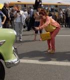 Liebhaber von Retro- Autos Stockbilder