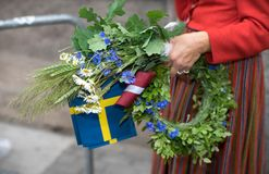 Lied en dansfestival in Letland Optocht in Riga Elementen van ornamenten en bloemen Letland 100 jaar Stock Foto's