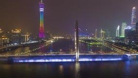 Liedebrug en Guangzhou-Stad bij Nacht Lucht Mening stock videobeelden