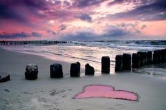 Liefde bij kust. Stock Foto