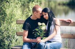 Liefde en affectie tussen een jong paar Royalty-vrije Stock Afbeelding