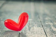 Liefde rood hart stock afbeelding