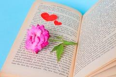 Liefde Rose Book Royalty-vrije Stock Afbeelding