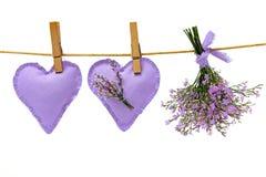 Liefdeharten en overzeese lavendel Stock Foto