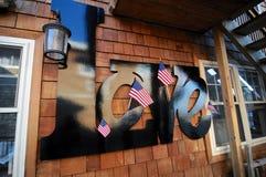 Liefdeinschrijving die met kleine Amerikaanse vlaggen wordt verfraaid stock fotografie