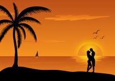 Liefdescène bij zonsondergang Stock Fotografie